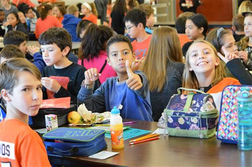 Fugett Students Participate in Mix It Up Day