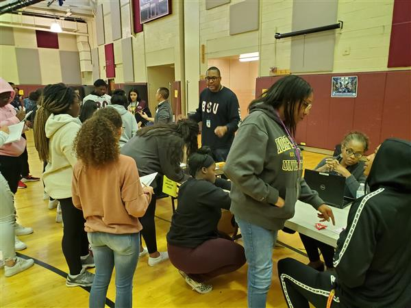 Students learn more about the college application process.